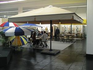 Белый зонт для Вашего кафе